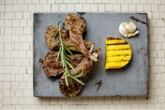 Grilled lamb chops with polenta
