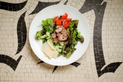 Grilled veal fillet salad