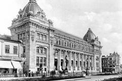 Palatul Poștelor (în stânga Hanul Zlătari) - București, 1903