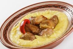 17-mancare-traditionala-bucovina-caru-cu-bere